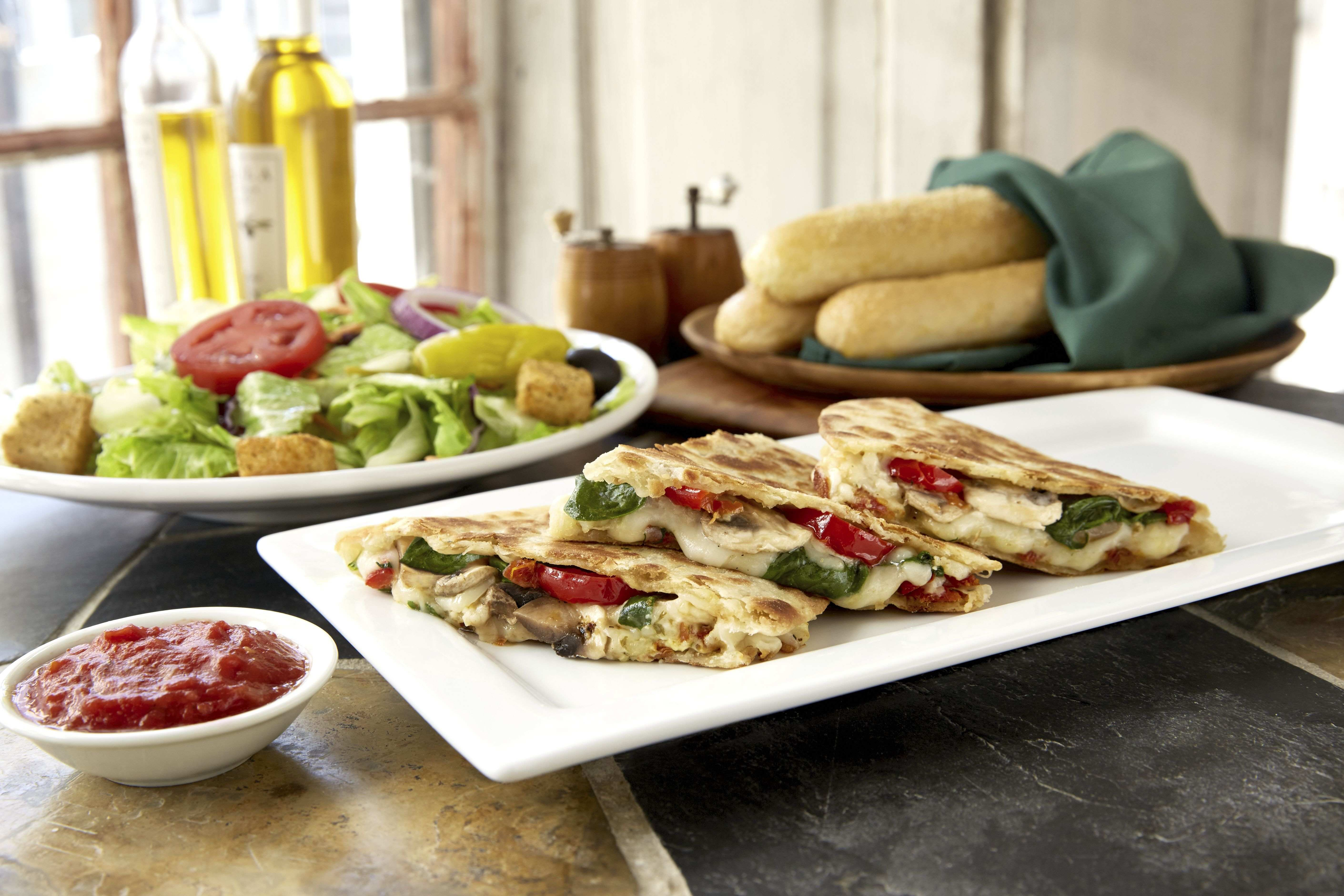 Olive Garden Announces Catering Delivery Crossroads Today